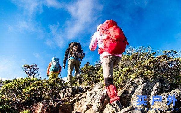 一定要带孩子去户外,但小孩是否适合跟家长攀爬高山?