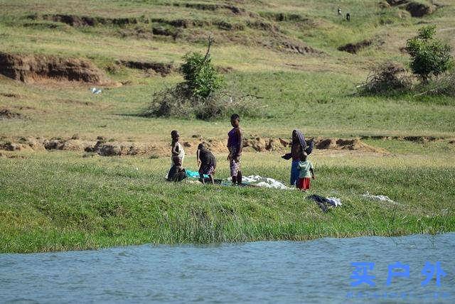 东非乌干达自助旅行,Kazinga海峡游船拜访非洲最大河马族群
