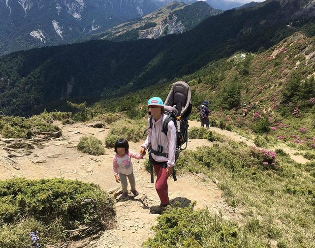 小孩几岁能开始爬山?带着孩子登山的小秘诀