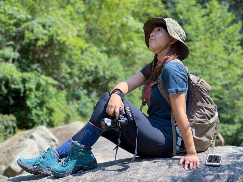lowa徒步鞋怎么样,美女登山体验真实感受