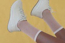 户外运动品牌小白鞋推荐,这些品牌除了舒适之外还可以上山下海